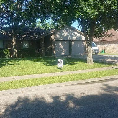 112 Ironwood St, Lake Jackson, TX 77566