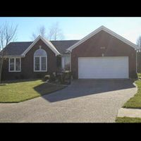 4500 Dogwood Forest Pl, Louisville, KY 40245