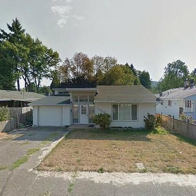 1202 S 7th St, Cottage Grove, OR 97424