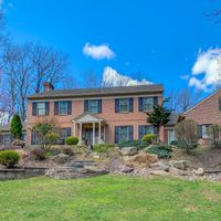 22 Fawn Dr, Reading, PA 19607