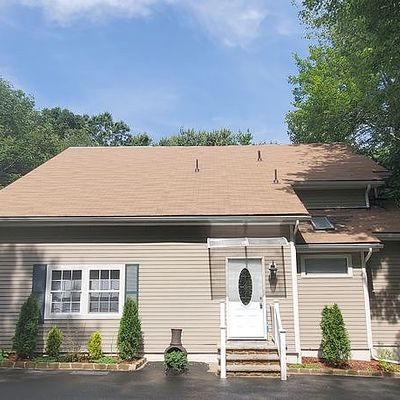 2046 Forest Lake Dr, East Stroudsburg, PA 18302