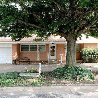 407 Peach St, Burkburnett, TX 76354