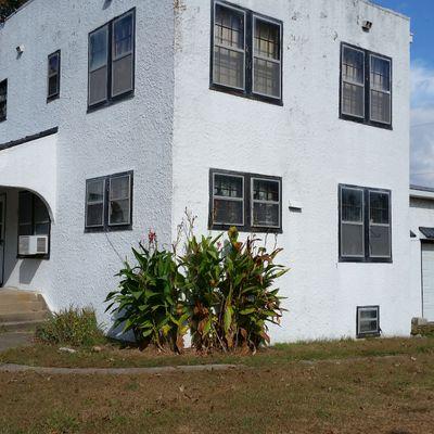 Elkville Hotel Home, Carbondale, IL 62901