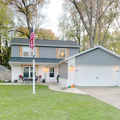 204 Hickory St, Swanton, OH 43558