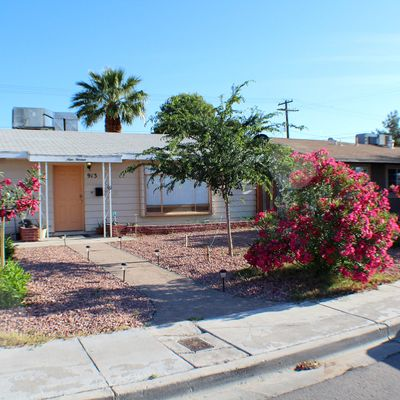 913 E Webb Ave, North Las Vegas, NV 89030
