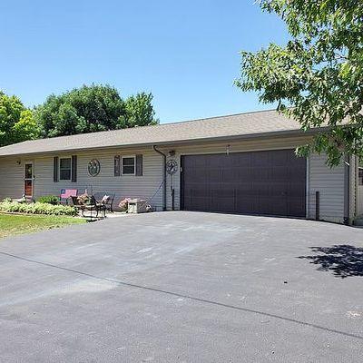 101 Steller St, Elkhart, IL 62634