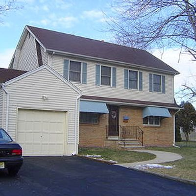 15 Burton Pl, Cresskill, NJ 07626