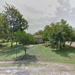 1216 Paris St, Castroville, TX 78009