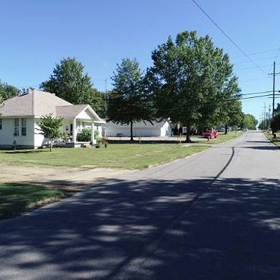 113 E Maple St, Paris, AR 72855