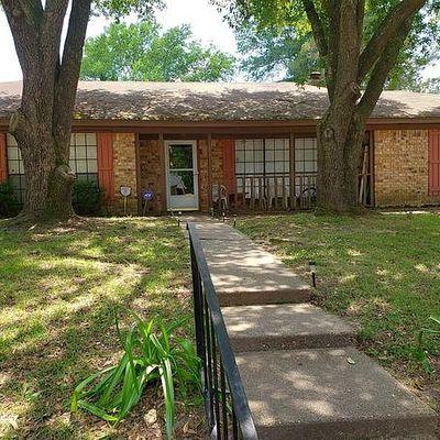 410 Magnolia Dr, Jefferson, TX 75657