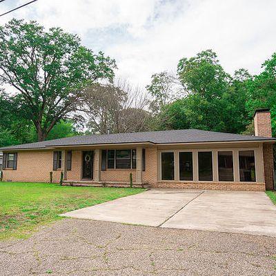 205 W Primrose Ln, Longview, TX 75604