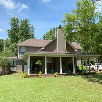 5904 Hickory Grove Ln, Bartlett, TN 38134