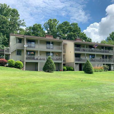 301d Fairway Lane, Spruce Pine, NC 28777
