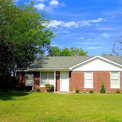 736 Coates Dr, River Oaks, TX 76114