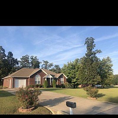 106 Woodside Ln, Lawrenceburg, TN 38464