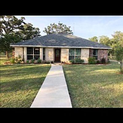 1571 County Road 284, Edna, TX 77957