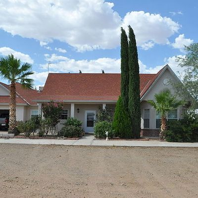 1716 Buena Vista St, Columbus, NM 88029