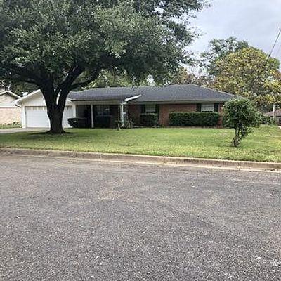 1805 Crestview Dr, Longview, TX 75604