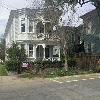 909 Lincoln St, Savannah, GA 31401