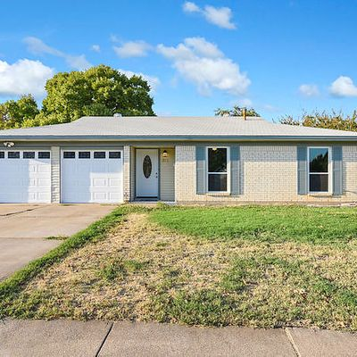 813 E Prairie View Rd, Crowley, TX 76036