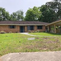 1127 E Lakeshore Dr, Carriere, MS 39426