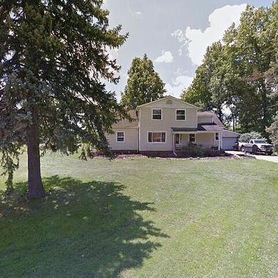 50 Valencia Dr, Cuyahoga Falls, OH 44223