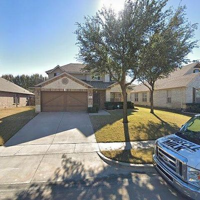 504 Serenade Ln, Euless, TX 76039
