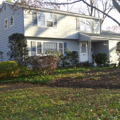 220 Beechwood Ave, Middlesex, NJ 08846