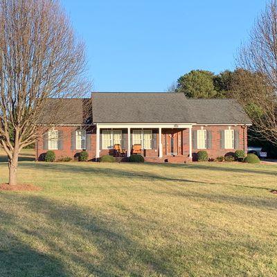 123 Della Dr, Statesville, NC 28625