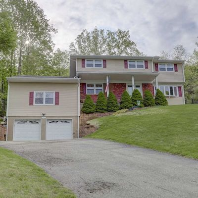 11 Bean Ct, Wanaque, NJ 07465