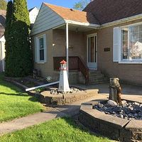 109 Beverly Blvd, Hobart, IN 46342