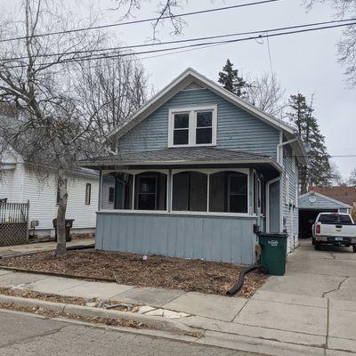 541 Woodrow Ave, Lansing, MI 48910