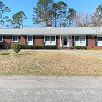 327 Pinecliff Dr, Wilmington, NC 28409
