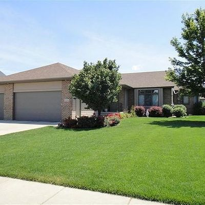 1304 S Tayberry Ave, Sioux Falls, SD 57106