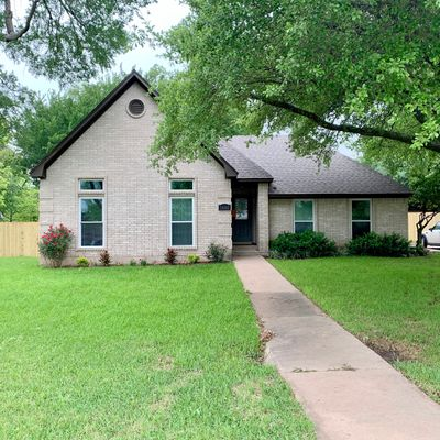 14301 Chisolm Dr, Waco, TX 76712