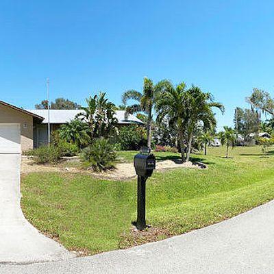 5558 Avenue B, Bokeelia, FL 33922