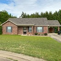2600 Creekwood Dr, Ruston, LA 71270