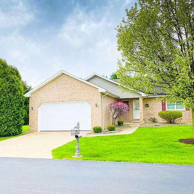 661 Chesapeake Ct, Hermitage, PA 16148