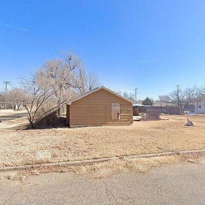 801 S Davis Ave, Stinnett, TX 79083