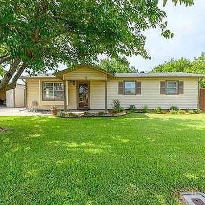 208 Railroad Ave, Sanger, TX 76266