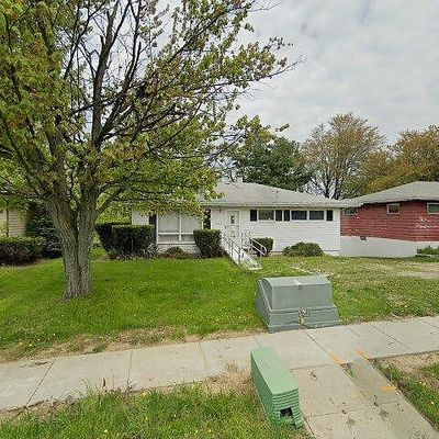 1065 Howe Ave, Cuyahoga Falls, OH 44221