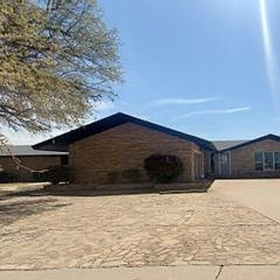 1908 Country Club Dr, Sweetwater, TX 79556