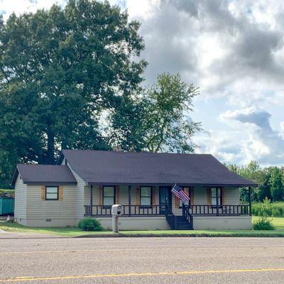 82 Humboldt Hwy, Trenton, TN 38382