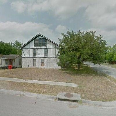 201 W Avenue C, Robstown, TX 78380