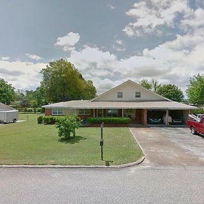 8 Hall St, Daleville, AL 36322