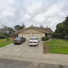7550-7552 Persimmon Ave