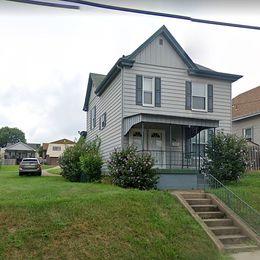 46 Laurel Ave