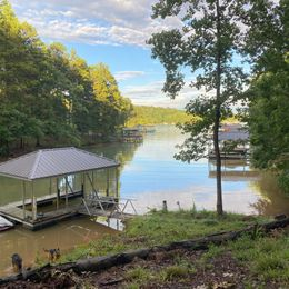 Unique Deep Water Front 11 Acre Estate On Beautiful Lake Keowee