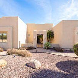 805 E Calhoun St