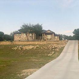 1070 Long Meadow